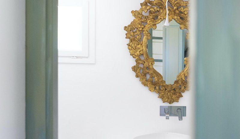 Golondrina bathroom