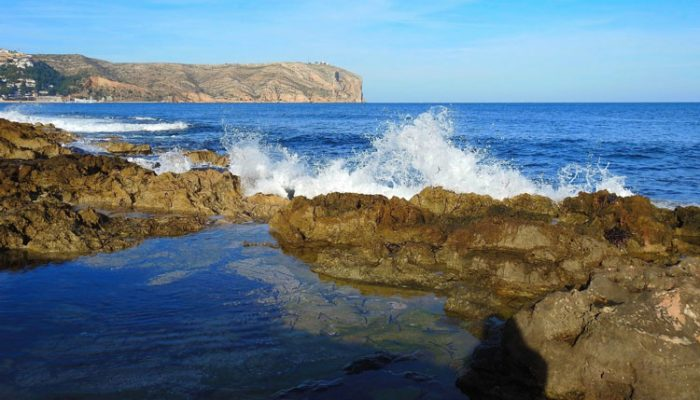 waves_javea_bay